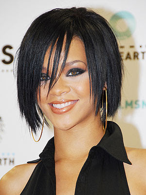 girls hairstyles are always fabulous. Enjoy these pictures of Rihanna's