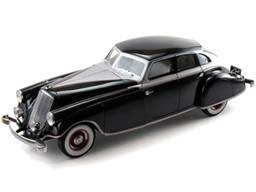 Pierce-Arrow Diecast Signature Models No. 68632 1933 Pierce-Arrow Silver Arrow Sedan Black / Silver Limited Edition of 2,000