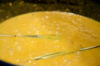 mango-kookoskastiketta ja sitruunaruohoa