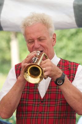 trumpetin soittoa