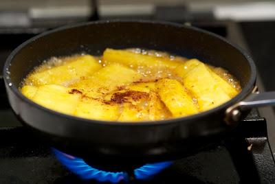 karamellisoitu ananas