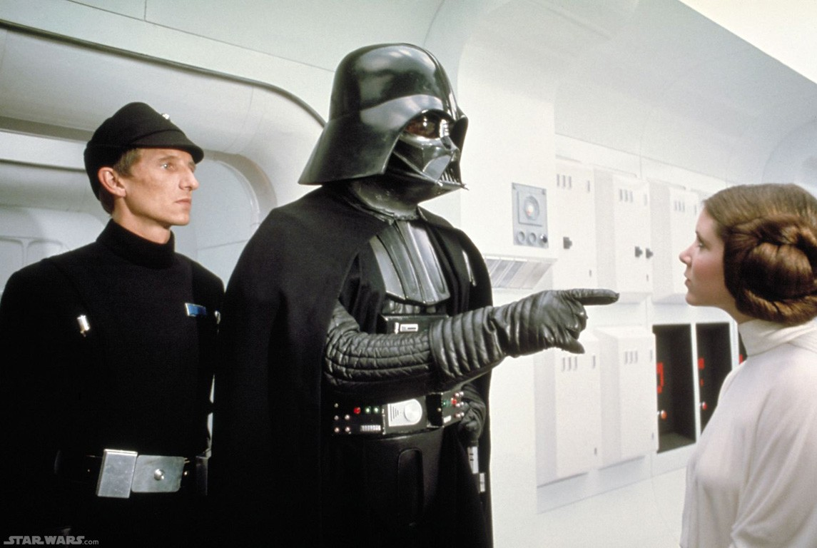 darth vader pointing at leia