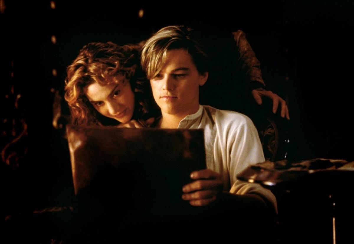 http://2.bp.blogspot.com/_lMzm_lLtChA/TN0i1i8bc5I/AAAAAAAAAbo/1Npp7W92CwY/s1600/Titanic-Kate-Winslet-Leonardo-diCaprio-titanic-15307268-1200-826.jpg