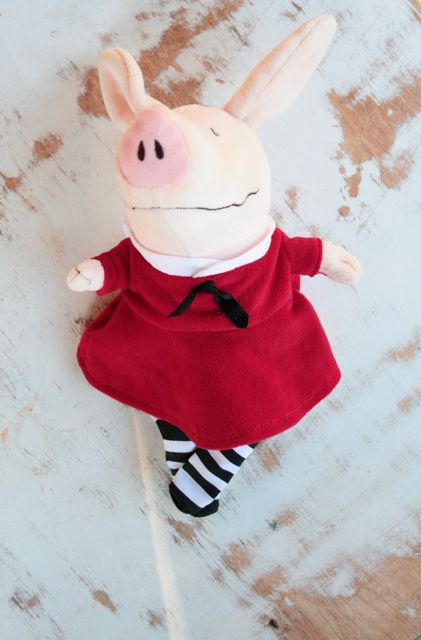 blue eyed freckle: Olivia the Pig--Costume Tutorial