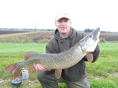 Selby RA 40 Regional Organiser and Wakefield Region member Mark Green with a 23lb 14oz Pike