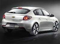 2011 Chevrolet Cruze Hatchback 2