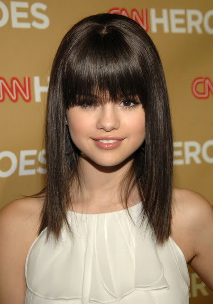 selena gomez haircut. Selena Gomez Hairstyles