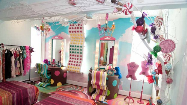Willy wonka set design on pinterest willy wonka for Abc beauty salon