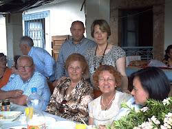 ARROPADOS POR SU FAMILIA Y AMIGOS