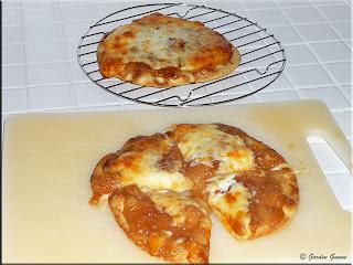 quick apple dessert pizza