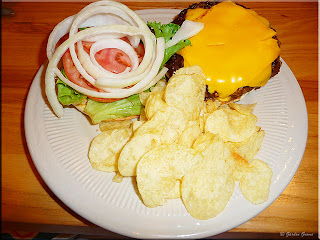 pub grub burger