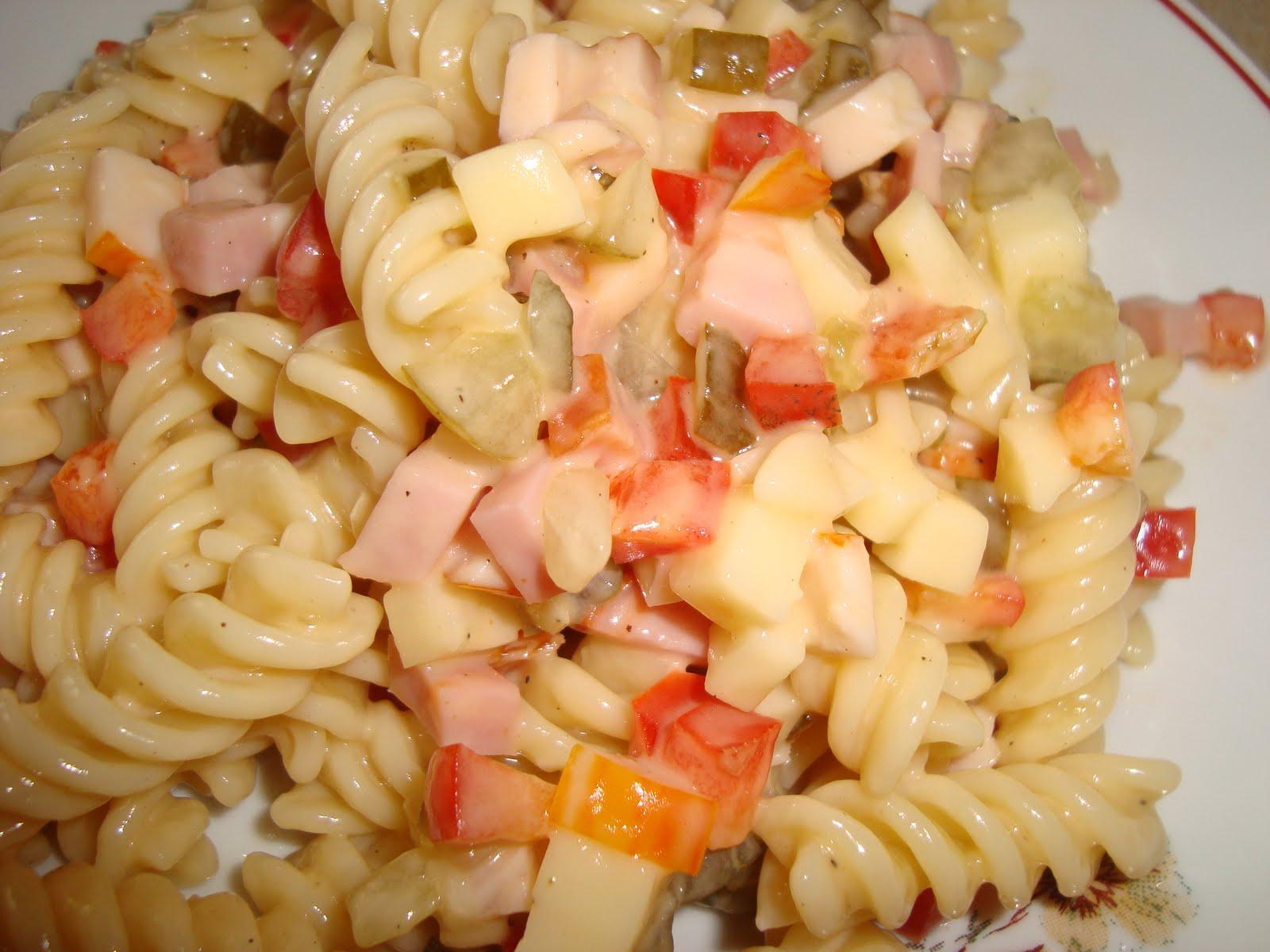 Salate de paste cu maioneza