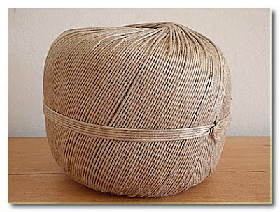 ball of linen string burgundy brocante