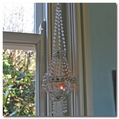 A Pearl Hanging Votive