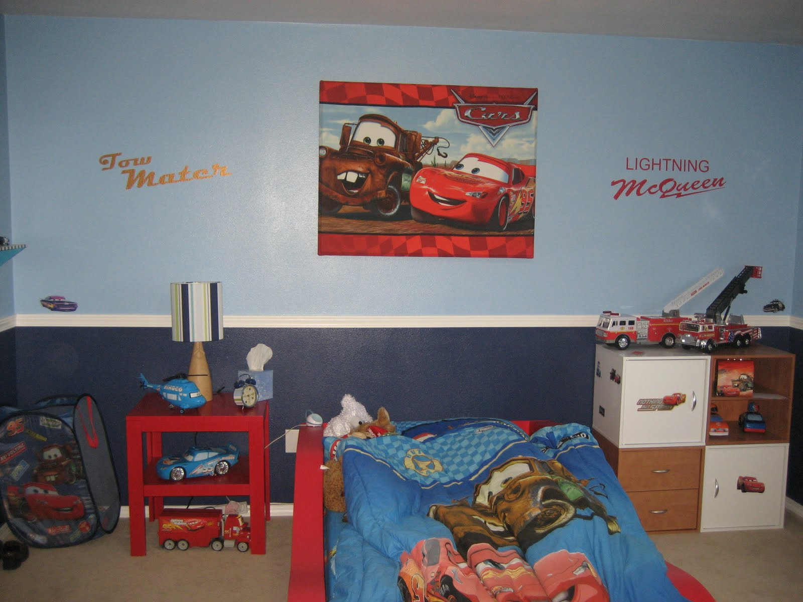Cindys vinyl creations lightning mcqueen and tow mater wall canvas to finish off this wall i then added tow mater and lightning mcqueen in vinyl amipublicfo Gallery