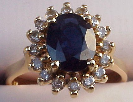 Diana choose an oval blue sapphire engagement ring that weighed in at an