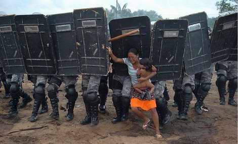 Foto do brasileiro Luiz Vasconcelos premiada no World Press Photo 2008