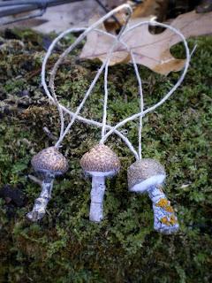 как сделать елочные игрушки грибочки
