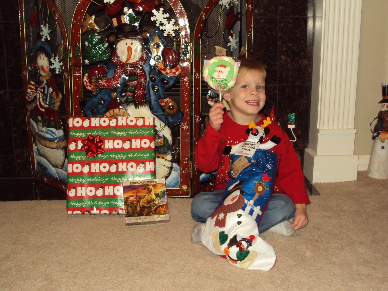 [Santa's+Gifts.JPG]