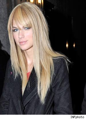 taylor swift straight hair with bangs. Taylor Swift Straight Hair- Swifty