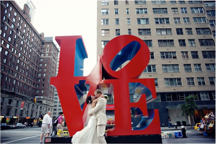 bride-groom-love-sculpture-robert-indiana-nyc