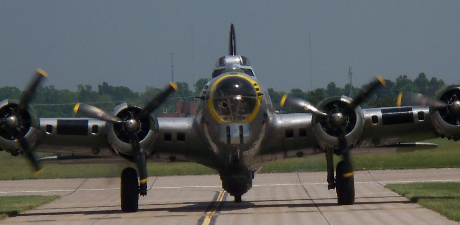 HOW IT WORKS The B29 WW2 Boeing Airplane 720p