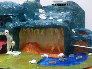 >>>>>    CASITA DE MUÑECAS EN PAPEL MACHE Cueva+terminada+detalle
