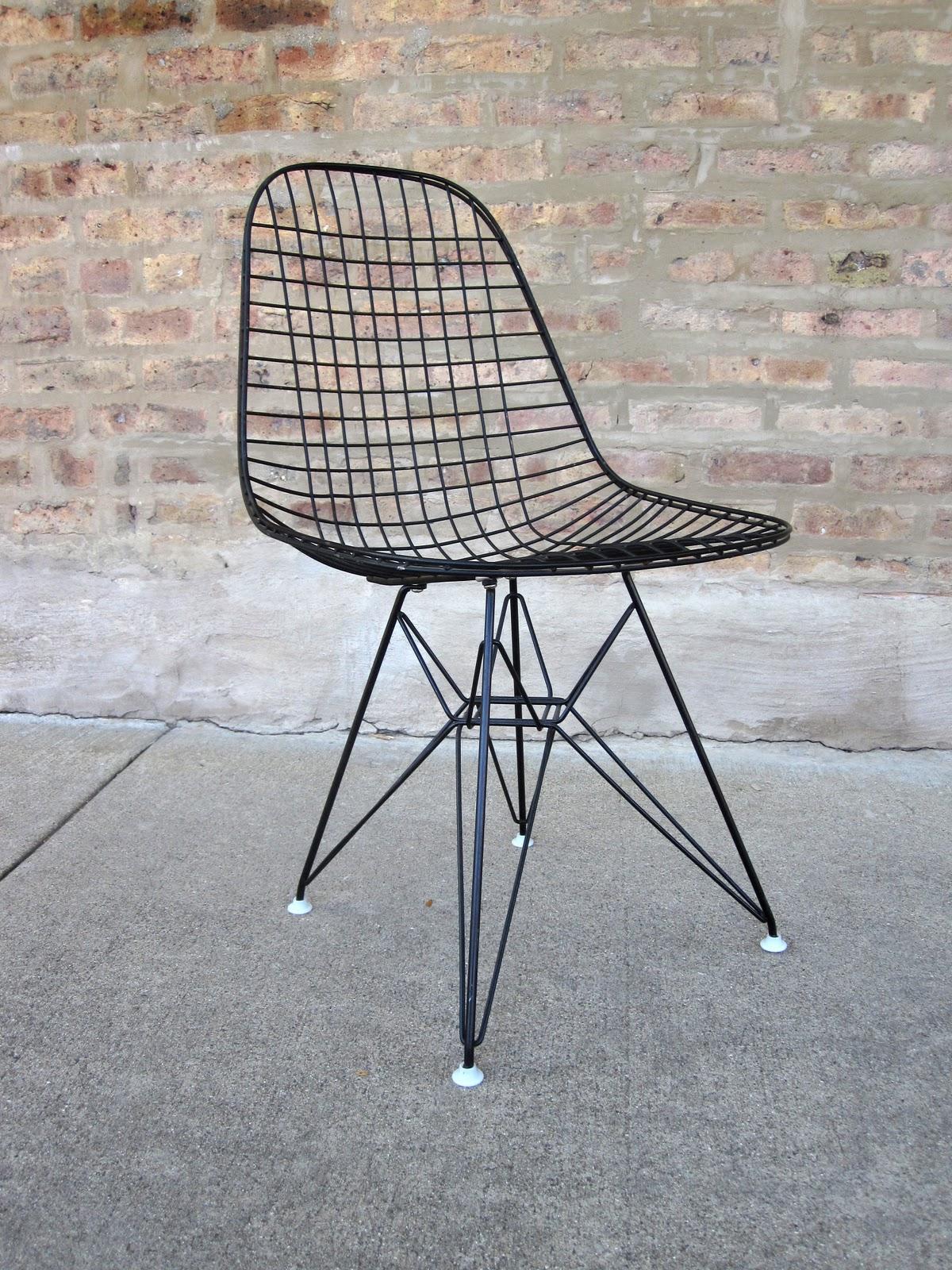 Circa midcentury 39 eames 39 dkr eiffel chair for Eames nachbau
