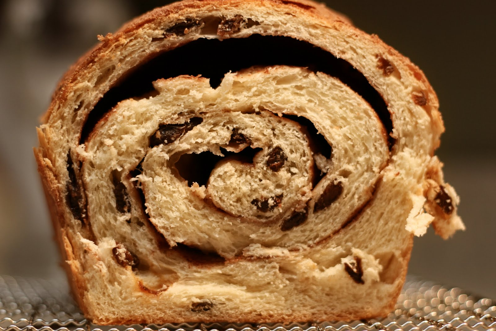 Sweet Cheeks in the Kitchen.: Cinnamon Raisin Bread