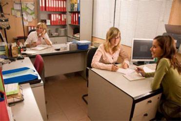 Chicas de oficina pantimedias por favor