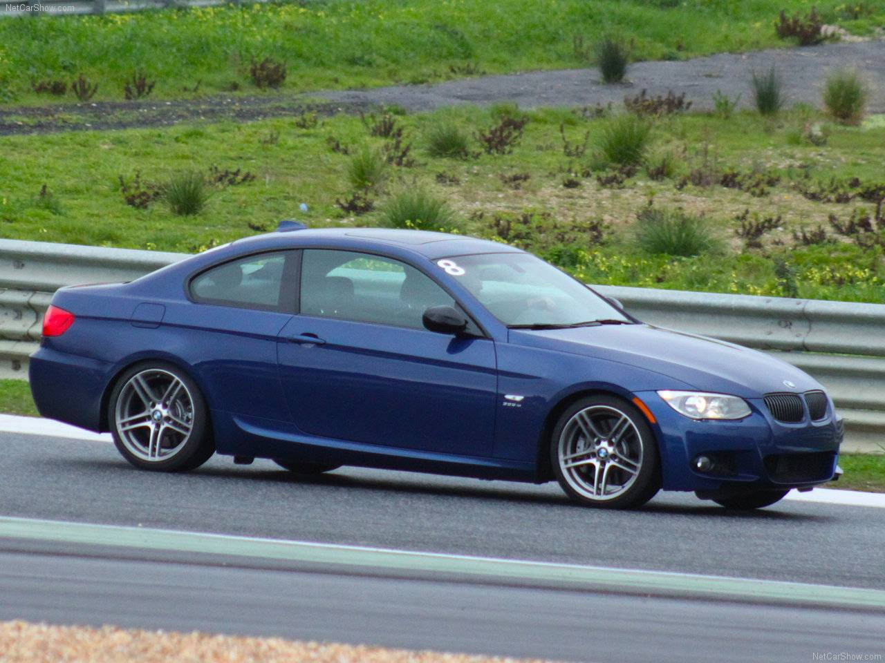 http://2.bp.blogspot.com/_lsyt_wQ2awY/TDQ96AcXpuI/AAAAAAAB7Ak/RvpK2x23w-w/s1600/BMW-335is_Coupe_2011_1280x960_wallpaper_08.jpg