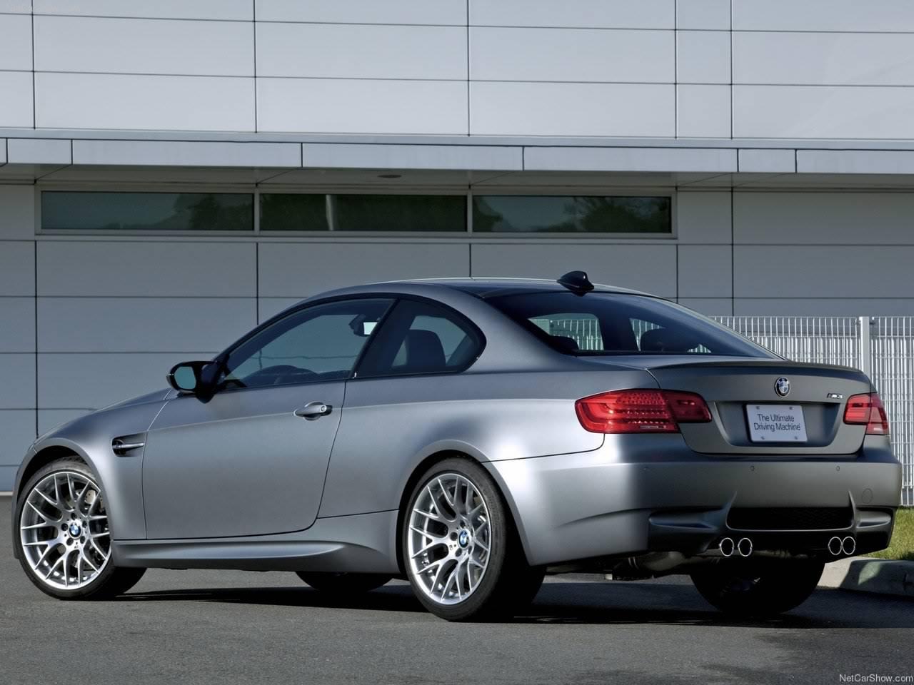 http://2.bp.blogspot.com/_lsyt_wQ2awY/TDRBxwQcAtI/AAAAAAAB7Cw/86PJ1ebjYMI/s1600/BMW-M3_Frozen_Gray_2011_1280x960_wallpaper_07.jpg