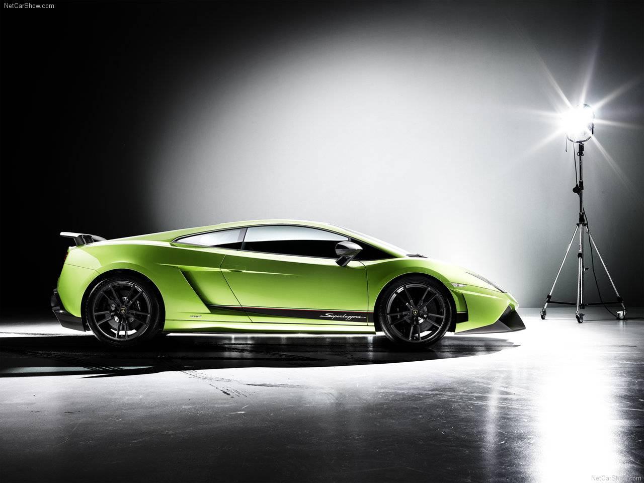 http://2.bp.blogspot.com/_lsyt_wQ2awY/TDipLvCZXaI/AAAAAAAB8_w/RYFAykXZDnU/s1600/Lamborghini-Gallardo_LP570-4_Superleggera_2011_1280x960_wallpaper_02.jpg