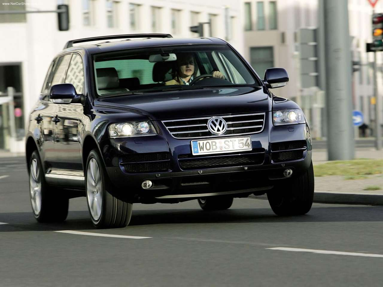 http://2.bp.blogspot.com/_lsyt_wQ2awY/TF5ZjBmd9eI/AAAAAAACCOE/igN6deHXYi0/s1600/Volkswagen-Touareg_V6_TDI_with_Exclusive_Equipment_2005_1280x960_wallpaper_05.jpg