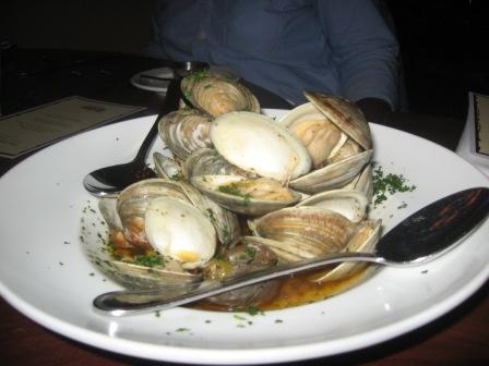 http://2.bp.blogspot.com/_lt08knU6nP0/S_vqDlQ-5LI/AAAAAAAABP4/pvEyZ9YcFos/s1600/Phillips+dinner+004.jpg