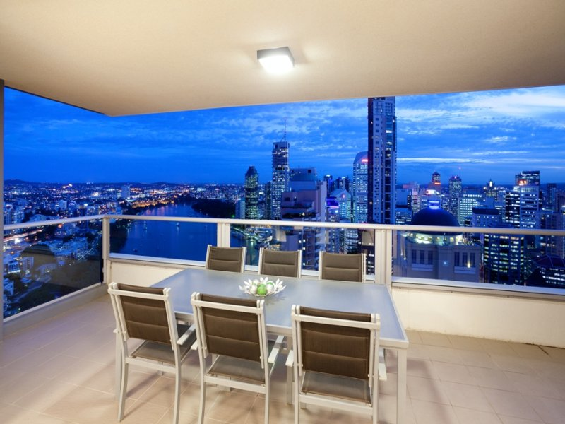 Brisbane Apartment: Skyline