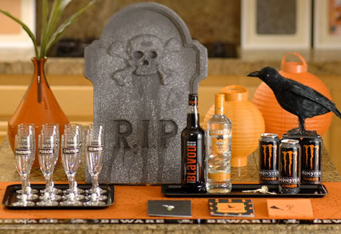 Spooky Chic Dinner Party Halloween Decorations Ideas - Adult Halloween Decorations