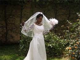 choisi prononce le mariage ce sont les pres des maris qui donnent leur consentement devant des tmoins la marie nest pas prsente ce moment l - Mariage Halal Droulement