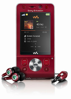 The red version of the Sony Ericsson W910i is more stylish