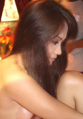 ... HOT JENNY CORTEZ di Film Pemburu Hantu The Movie |G