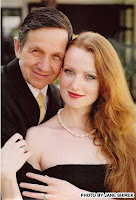 seriously, look at this woman and tell me that Kucinich is incompetent - there's gotta be SOMETHING there