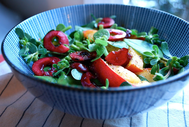 Categories: cherries , peach , purslane , summer salad