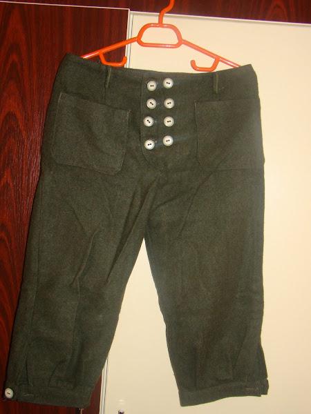 Pantalon gros, handmade, marimea 38.PRET 20 RON
