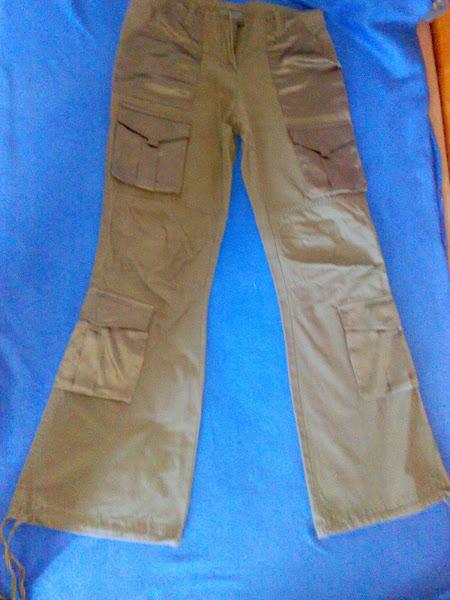 Pantalon cu buzunare din satin, usor evazati, marimea 38.PRET 20 RON