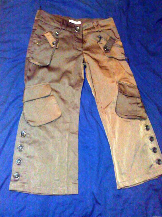 Pantaloni satin, model deosebit.Ideali club. Marime 34-36.PRET 50 RON.Noi