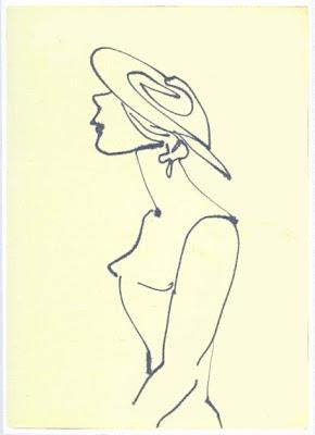 Weibliches Hüftstück mit Hut im Linksprofil