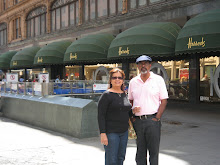 AT HARROD&#39;S LONDON 2008