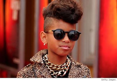 Site Blogspot  Willow Smith Hairstyles on Willow Smith   Eu Acho A Rihanna Incr  Vel  Adoraria Ser Sua Vers  O