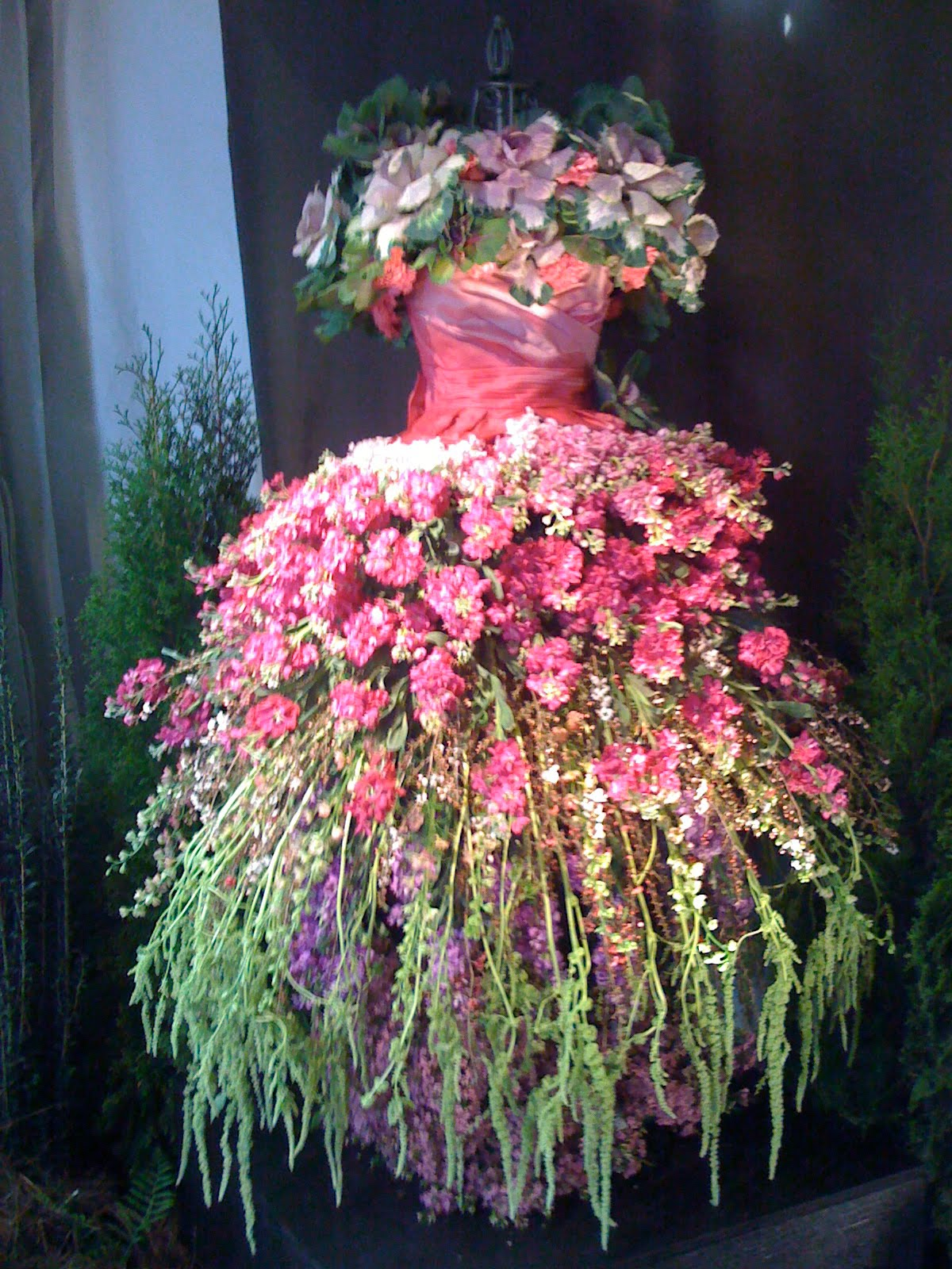Christen good day sunshine festival of flowers for Wedding dress made of flowers