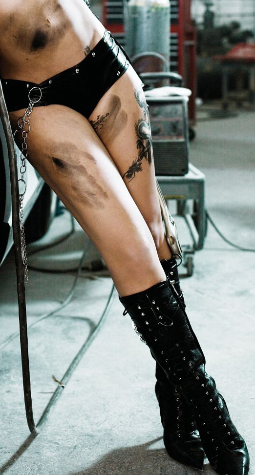 Pictures of the tattoos on singer Pink's foot and ankles. Pink Tattoos